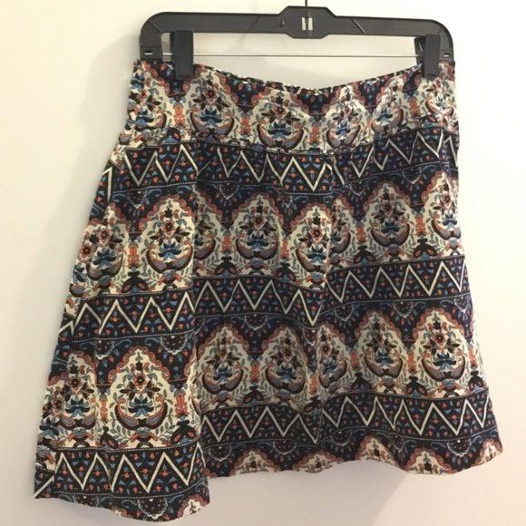 Forever 21 skirt. Size L. Tribal print. Forever 21 skirt. Size L. Tribal print. Zipper in back. Great for spring! Bundle to save! Forever 21 Skirts Midi