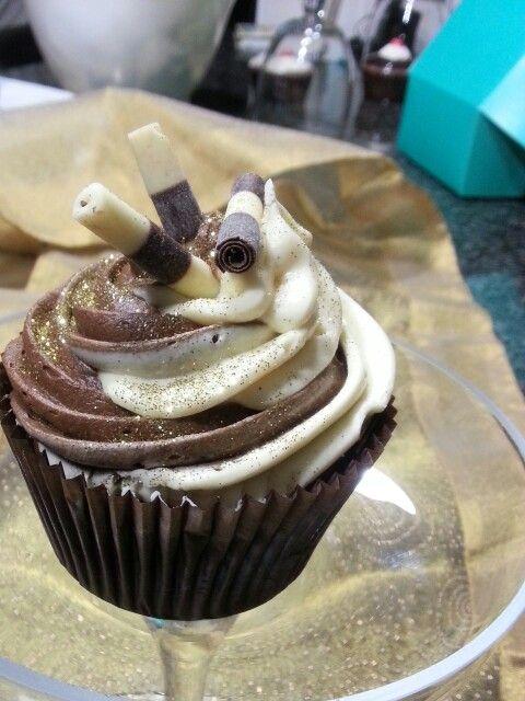 A Vanilla & Chocolate swirl delight!