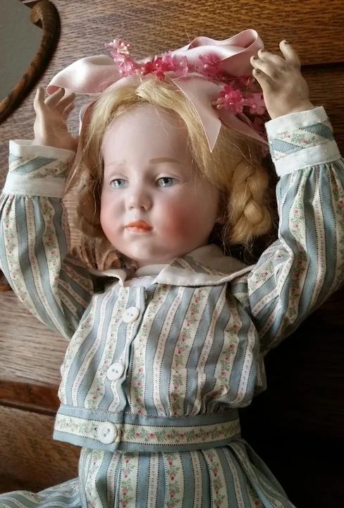Kammer Reinhardt K R 101 Marie 19 Inch Deeply Desired Antique Aunt Janie S Doll Trunk Ruby Lane In 2021 Porcelain Dolls For Sale Antique Dolls Antiques