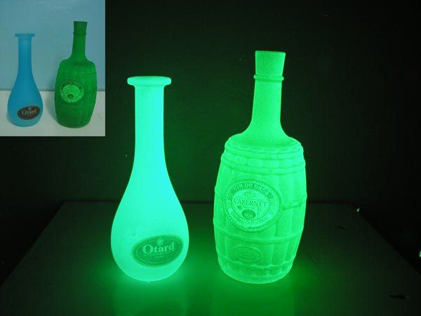 Acmelight Glass Classic - luminescent paint for glass surfaces http://acmelight.eu/