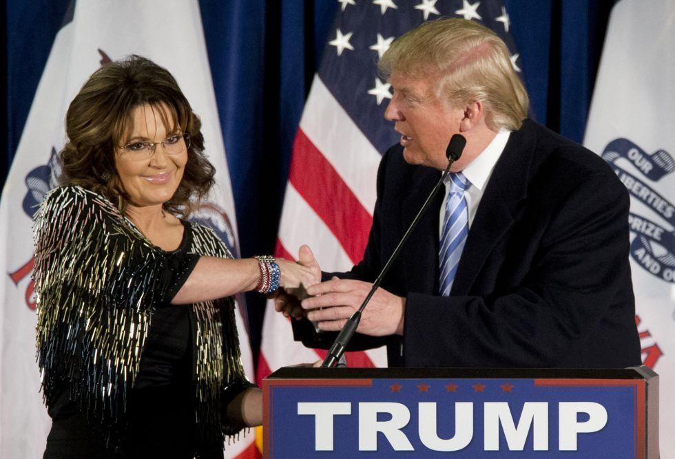 Sarah Palin, junto al candidato a las primarias republicanas, Donald Trump.