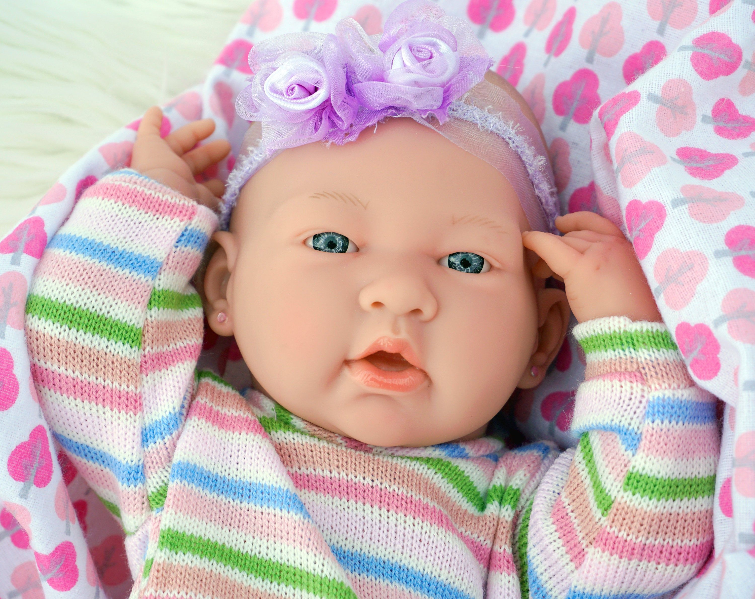 Reborn Dolls Baby Realistic Newborn 15 Inches Anatomically Correct Real Girl Baby Washable Lifelike Baby Doll Soft Vinyl Gift Accessories In 2020 Baby Musical Toys Handmade Baby Blankets Reborn Dolls