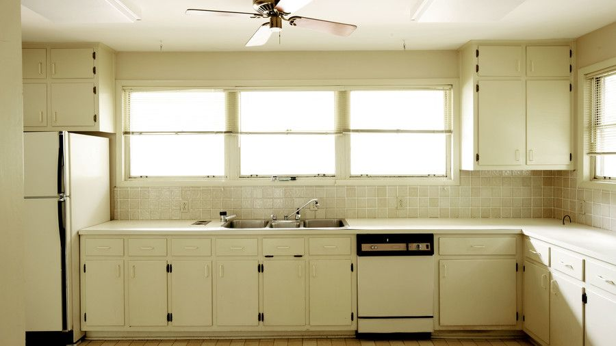 Classic Kid Friendly Kitchen Before