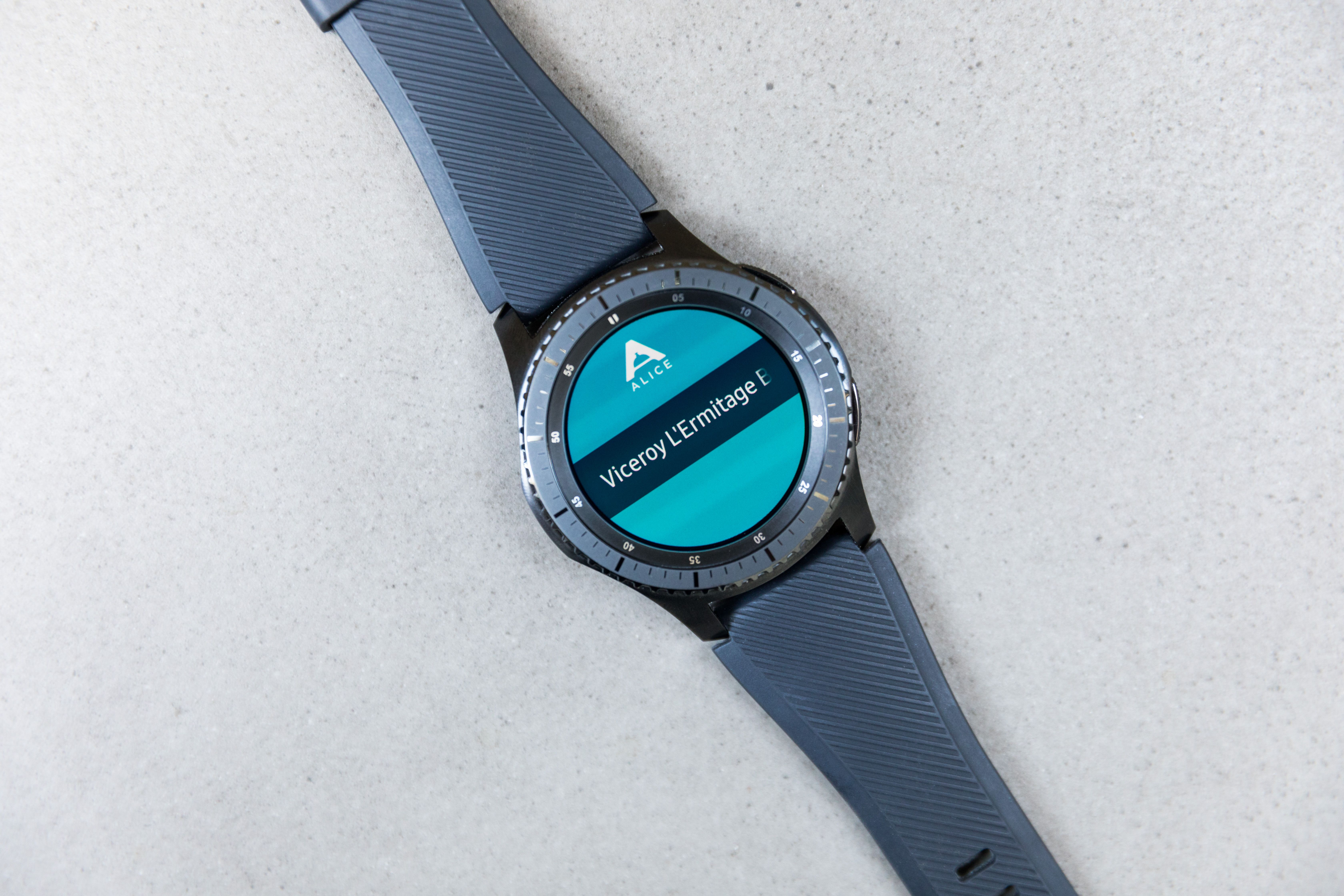 Samsung turns Gear S3 into a communication tool for hotel