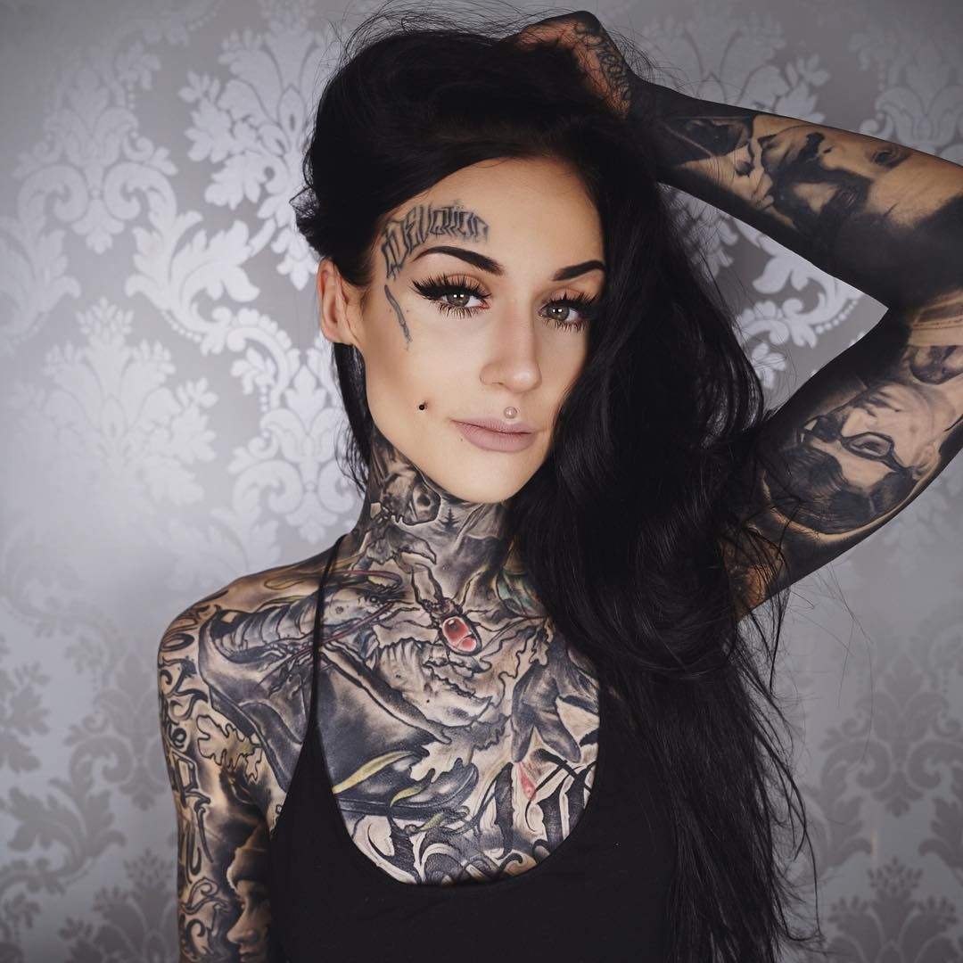 Tattoo Woman Reading: Monami Frost – 672 Photos