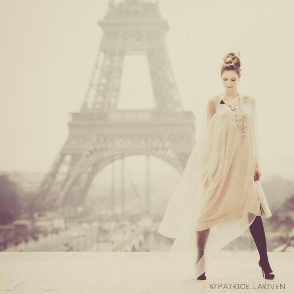 Fashion photography eiffel tower