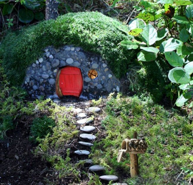 fairy house with irish moss as roof or hobbit hole - Gnome House S Design
