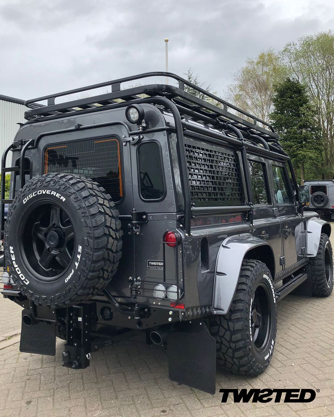 We Could Spend All Day Looking At This Build Swipe For More Photos Defender Landrover Landroverde Land Rover Defender Land Rover Land Rover Defender 110