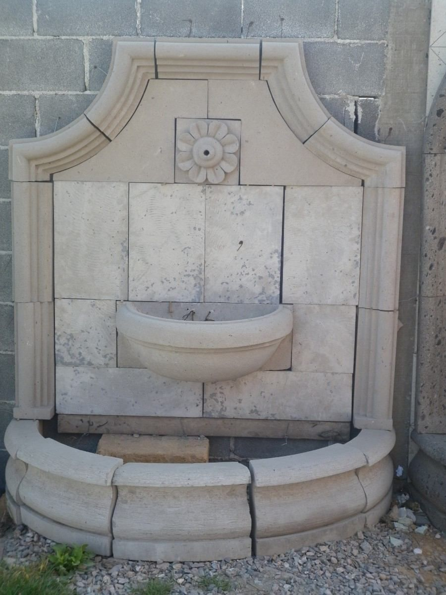 Utilizaci n de piedra en fachadas modernas ducha patio - Fuentes de patio ...