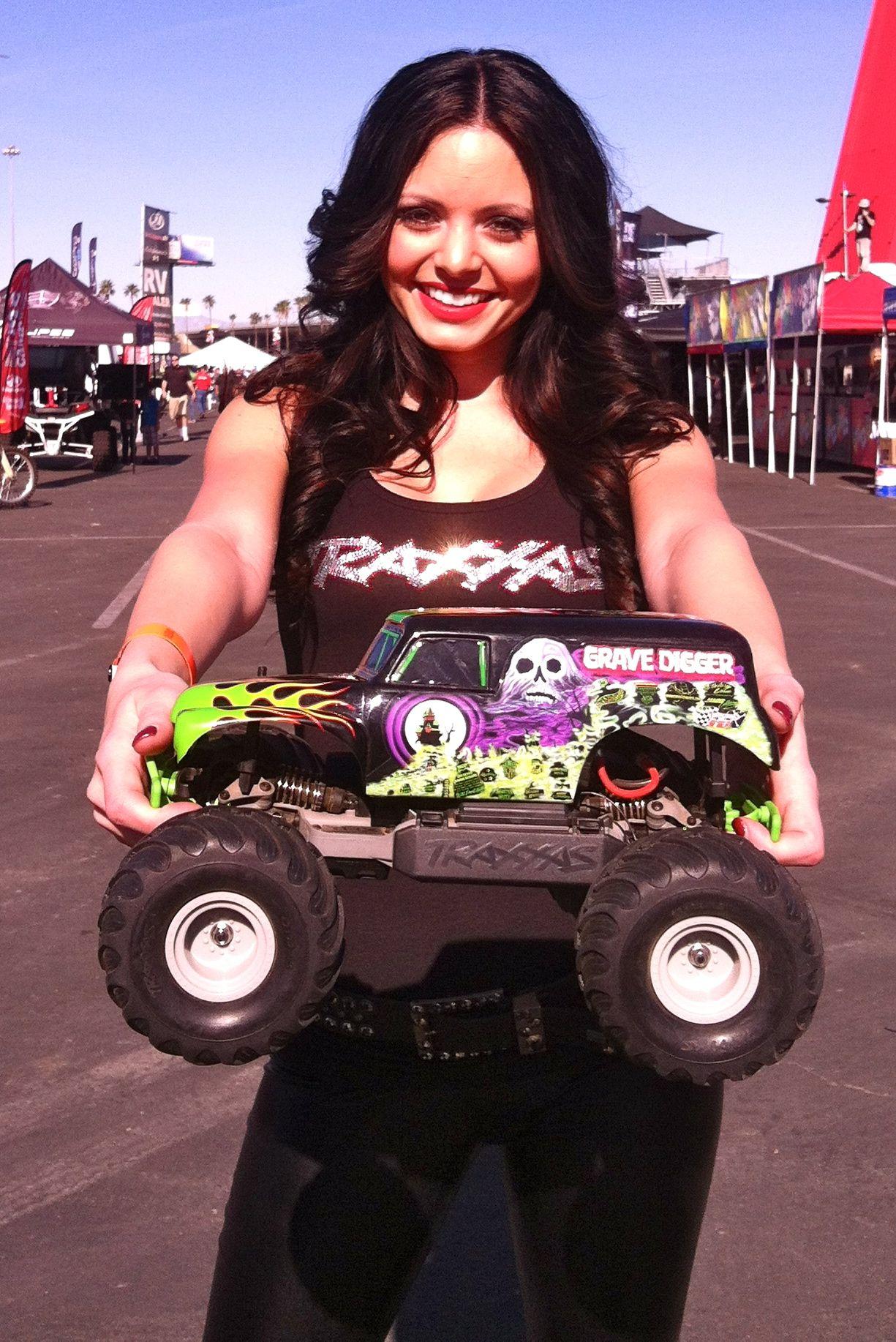 Traxxas Girl Emmy Rc Cars Traxxas Traxxas Rc Cars And Trucks