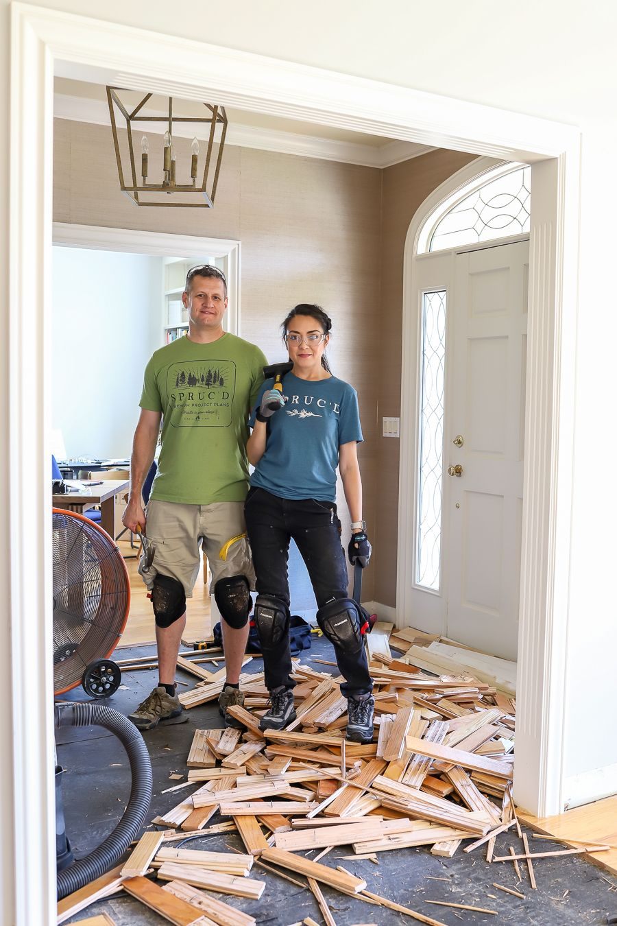How To Remove Hardwood Flooring The Easy Way In 2020 Woodworking Plans Beginner Awesome Woodworking Ideas Woodworking Joinery