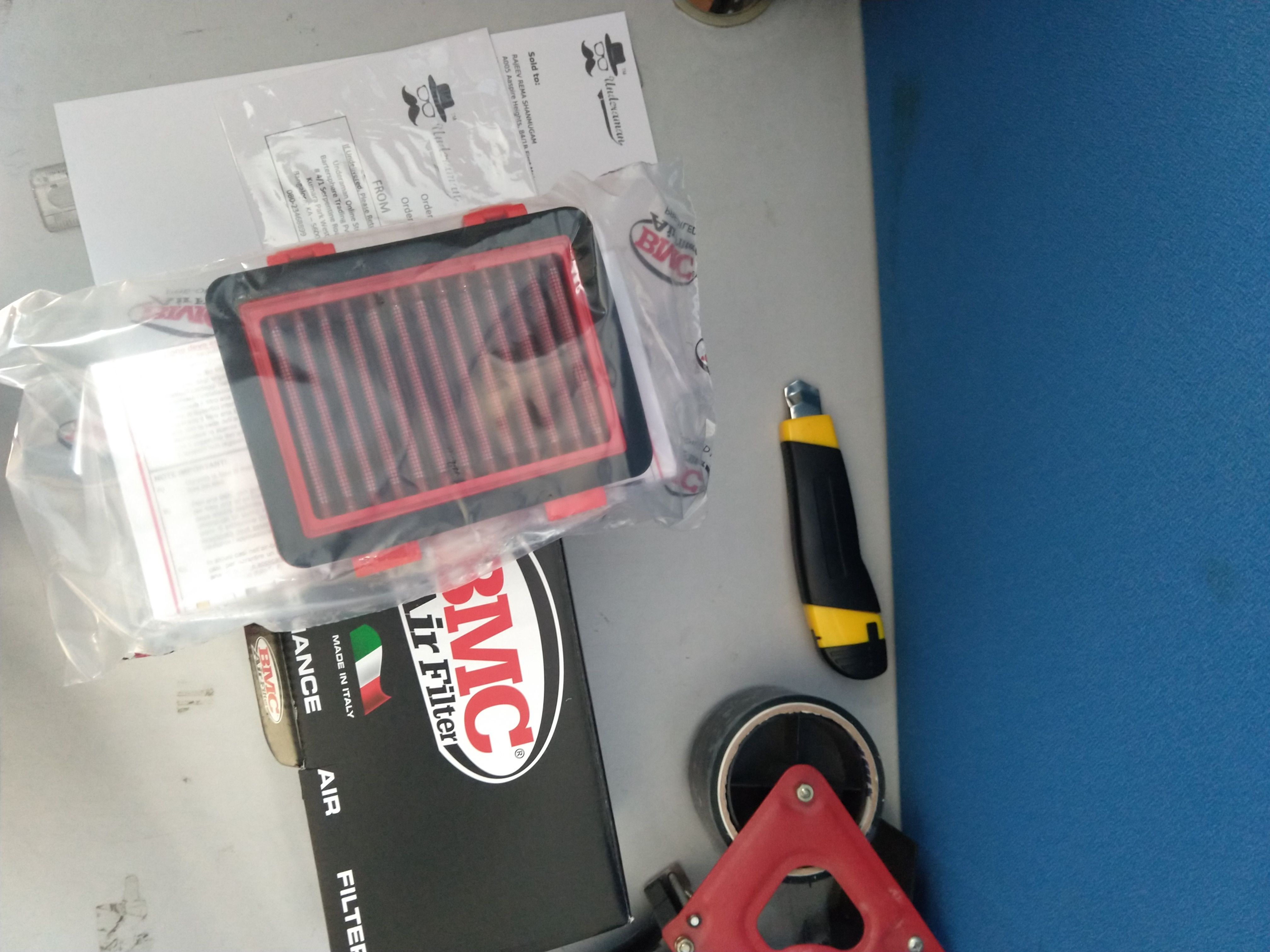 A BMC air filter for the KTM Duke, delivered! 😇 More
