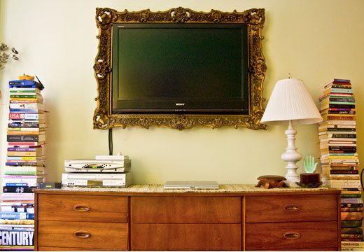 die besten 25 rahmen fernsehen ideen auf pinterest tv rahmen montiert tv und tv befestigen. Black Bedroom Furniture Sets. Home Design Ideas