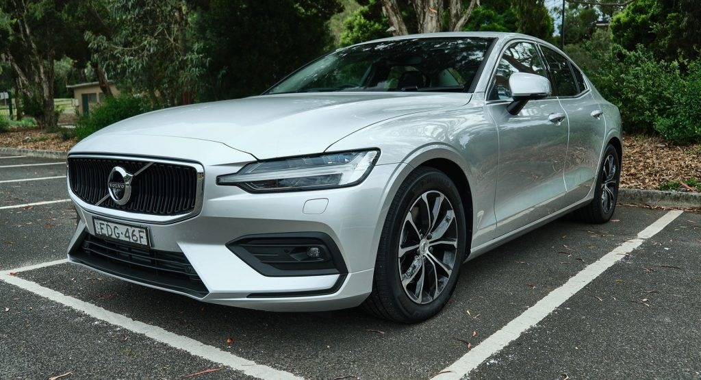 Review 2020 Volvo S60 T5 Momentum Seeks Its Place In The Compact Luxury Sedan There Was A Time Not Too Long Ago When Vo In 2020 Luxury Sedan Volvo S60 Volvo S60 T5