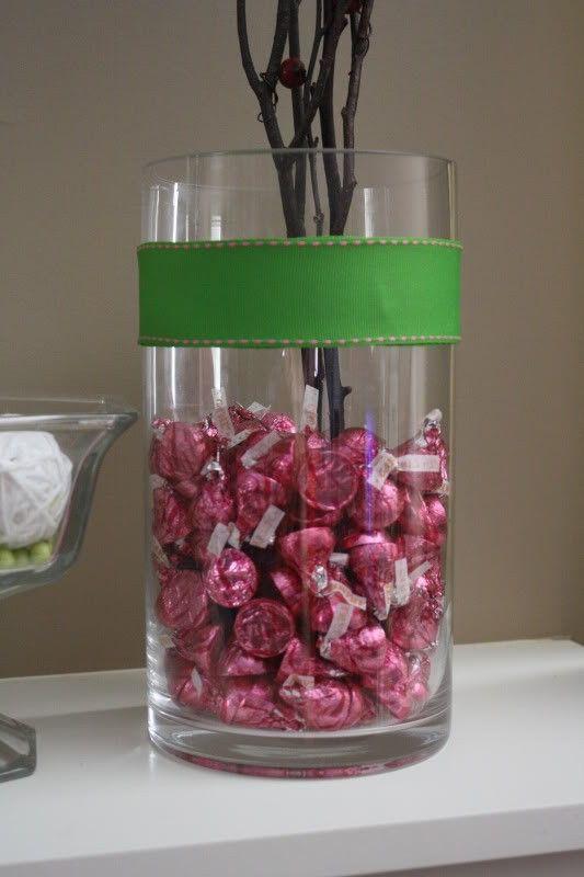 Use Hersheys Kisses As A Vase Filler Party Planning Pinterest