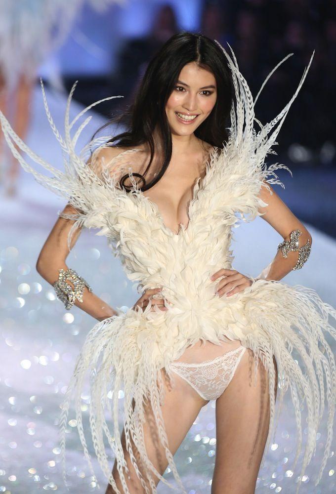 967ab1b5cfd Sui He Victoria s Secret Angel 2015