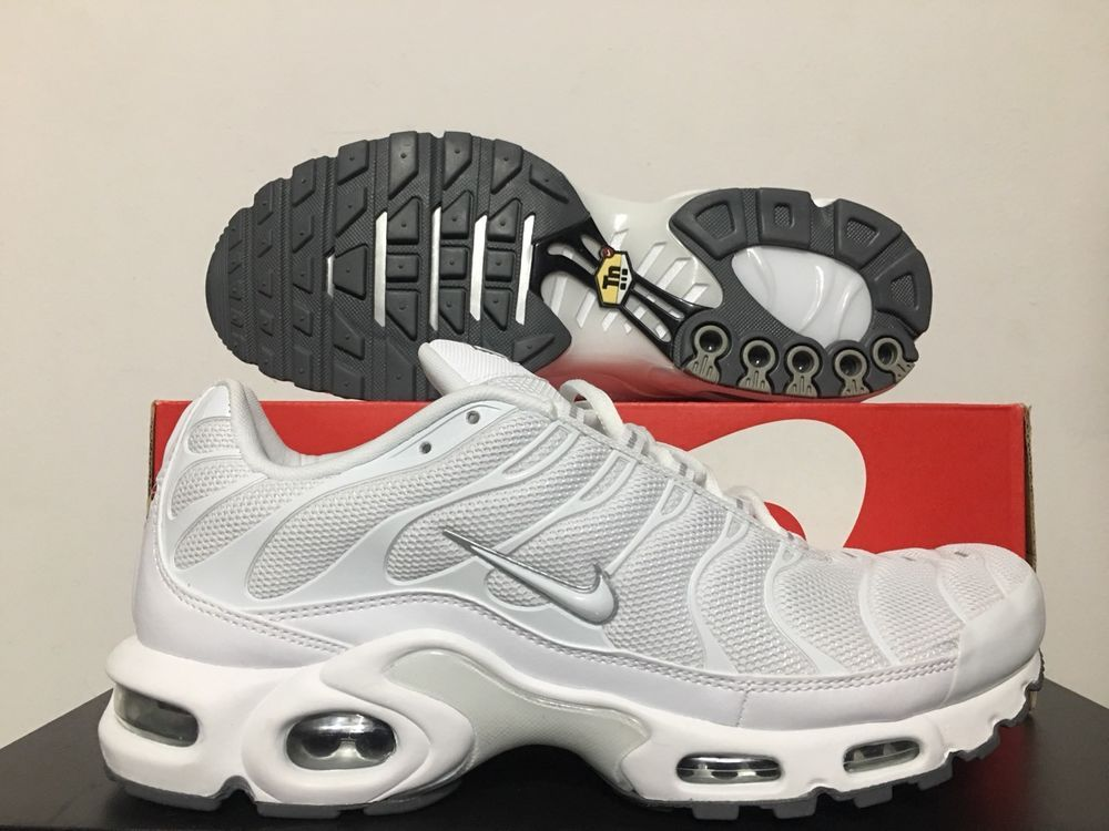 Nike Air Max Plus TN Tuned Running Shoes White Black Grey SZ