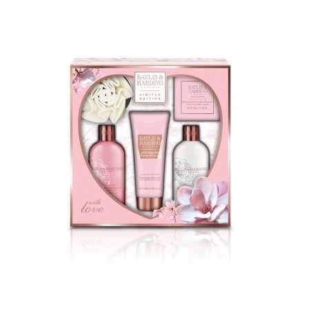 Perfect for #ValentinesDay. Baylis & Harding Pink Magnolia & Pear Blossom 5 Piece Set.