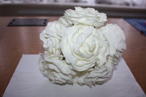 6 x IVORY LUXURY FOAM COLOURFAST CAMELLIA ROSES FLOWERS 9cm WEDDING BRIDAL