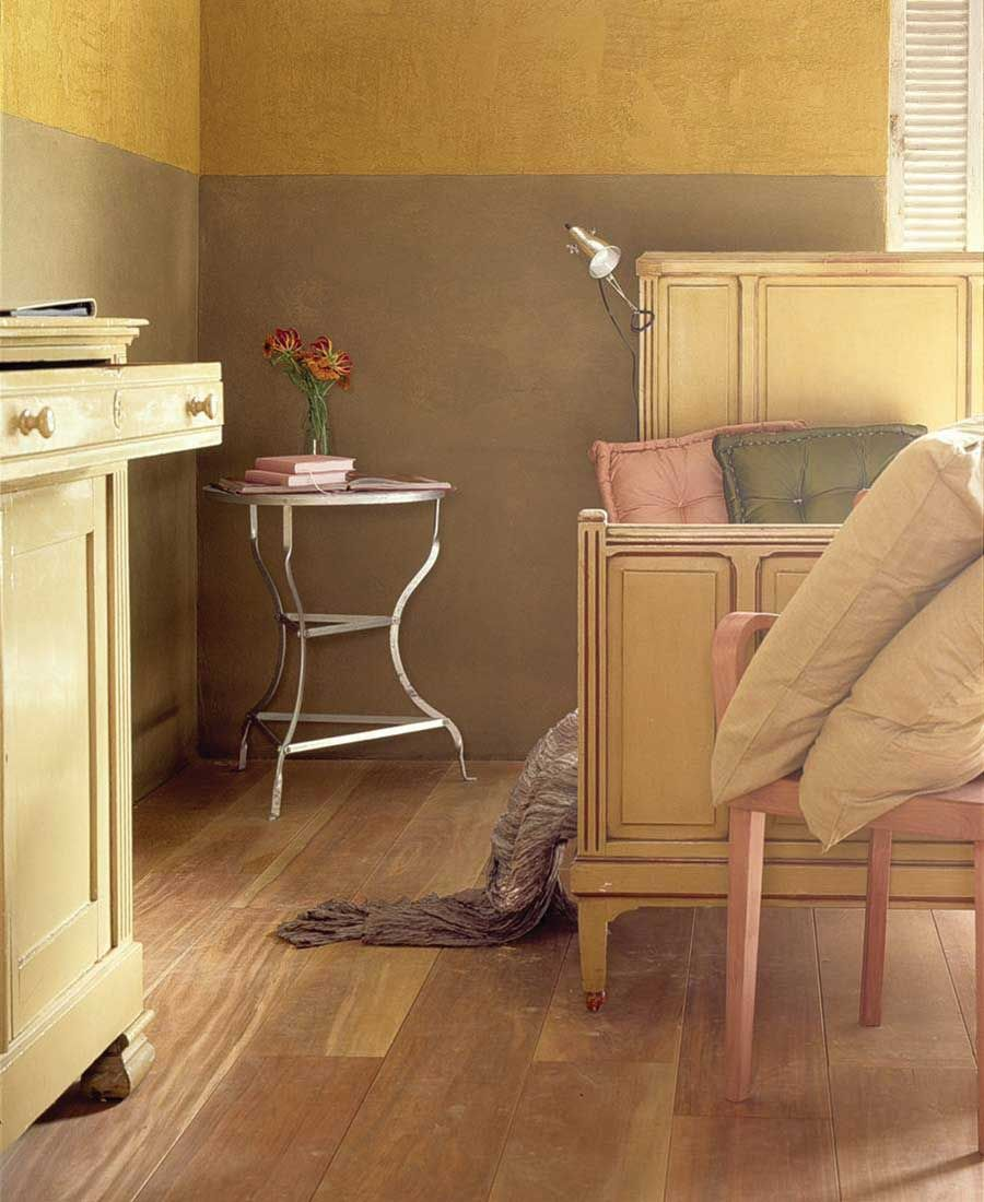 Clay Walls Using Earthen Plasters And Paints In Your Home Green Homes Natural Garden