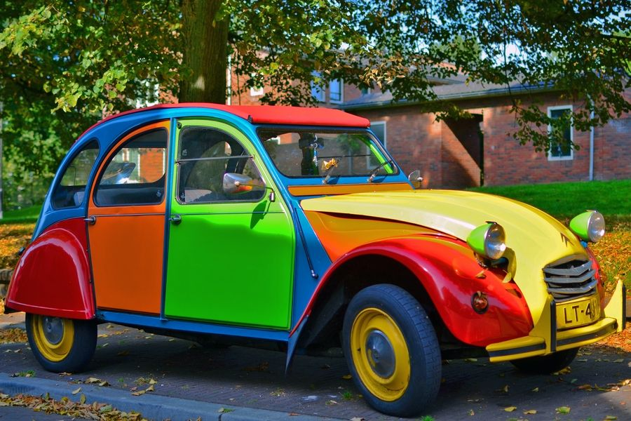 Colourful Citroen 2cv Citroneta Citroen 3cv Autos Y Motos