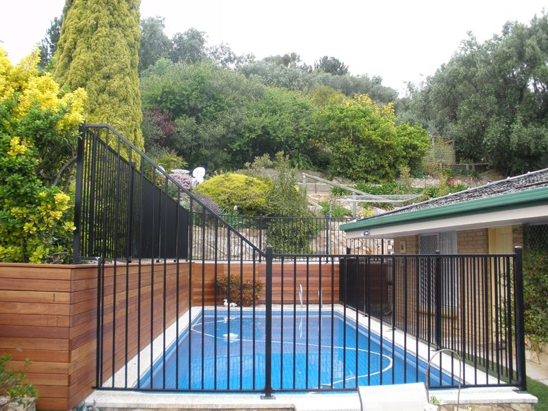 Pin By Isabelle Landry On Green Thumb Pool Fence Pool Landscaping Aluminum Pool Fence