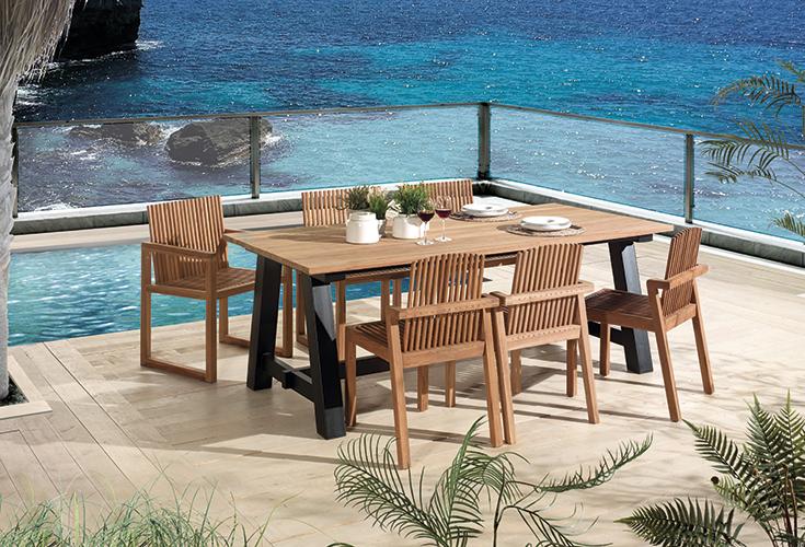 Decouvrez Nos Tables Et Chaises De Jardin En Bois Massif En 2020 Table Et Chaises De Jardin Jardins En Bois Chaise De Jardin