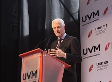 President Bill Clinton inspires leadership commitment among students during a visit to UVM Universidad del Valle de México.