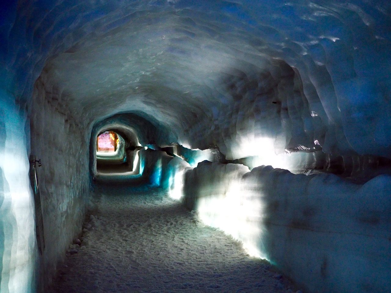 Review and photos of the absolutely stunning visit inside Langjökull, one of the biggest and most impressive glaciers in Iceland.