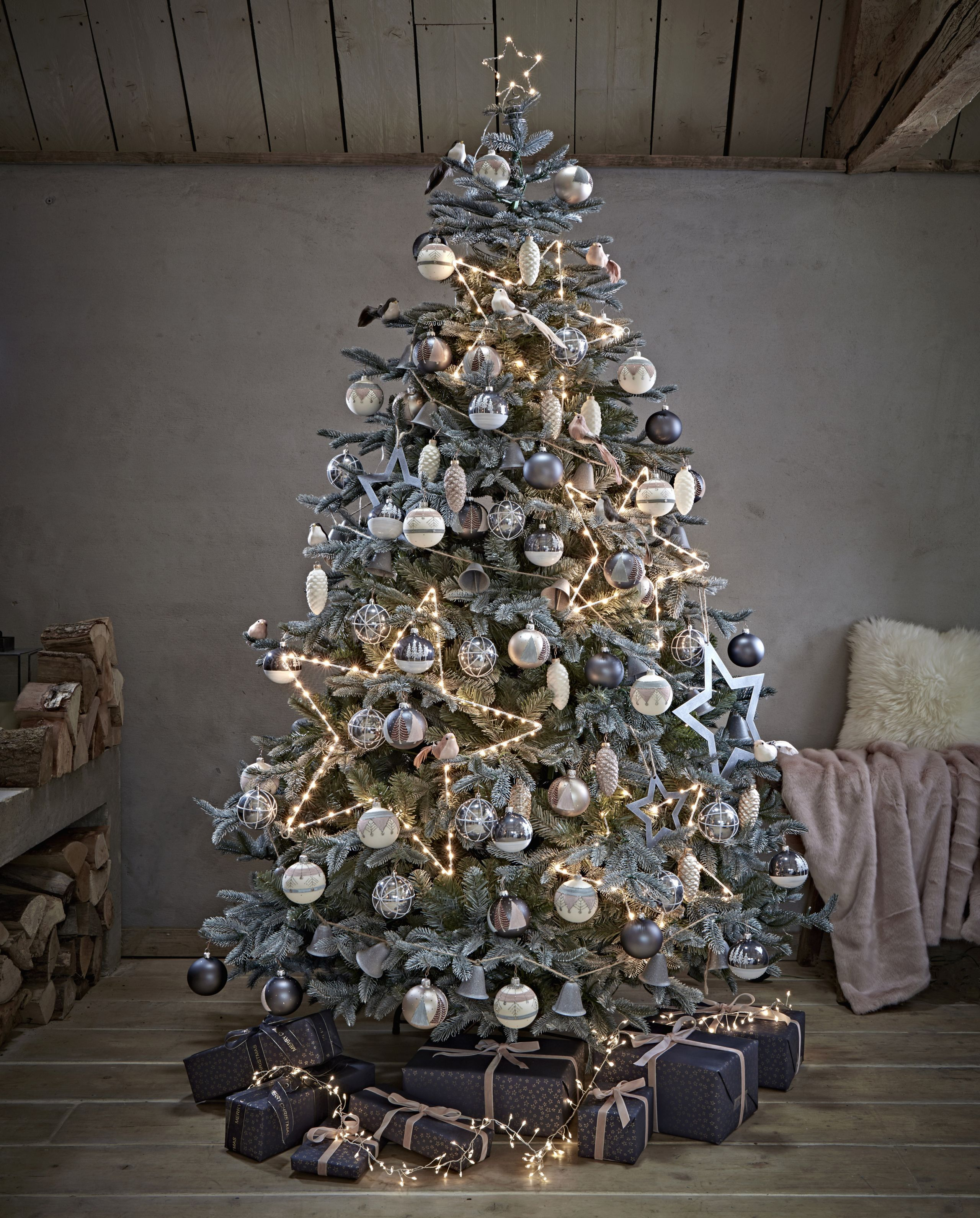 These Are The Best Artificial Christmas Trees Blue Christmas Decor Blue Christmas Tree Grey Christmas Tree