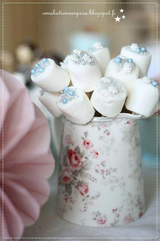 Frozen koriste juhlat vaahtokarkki. Blogista Oma koti onnenpesä