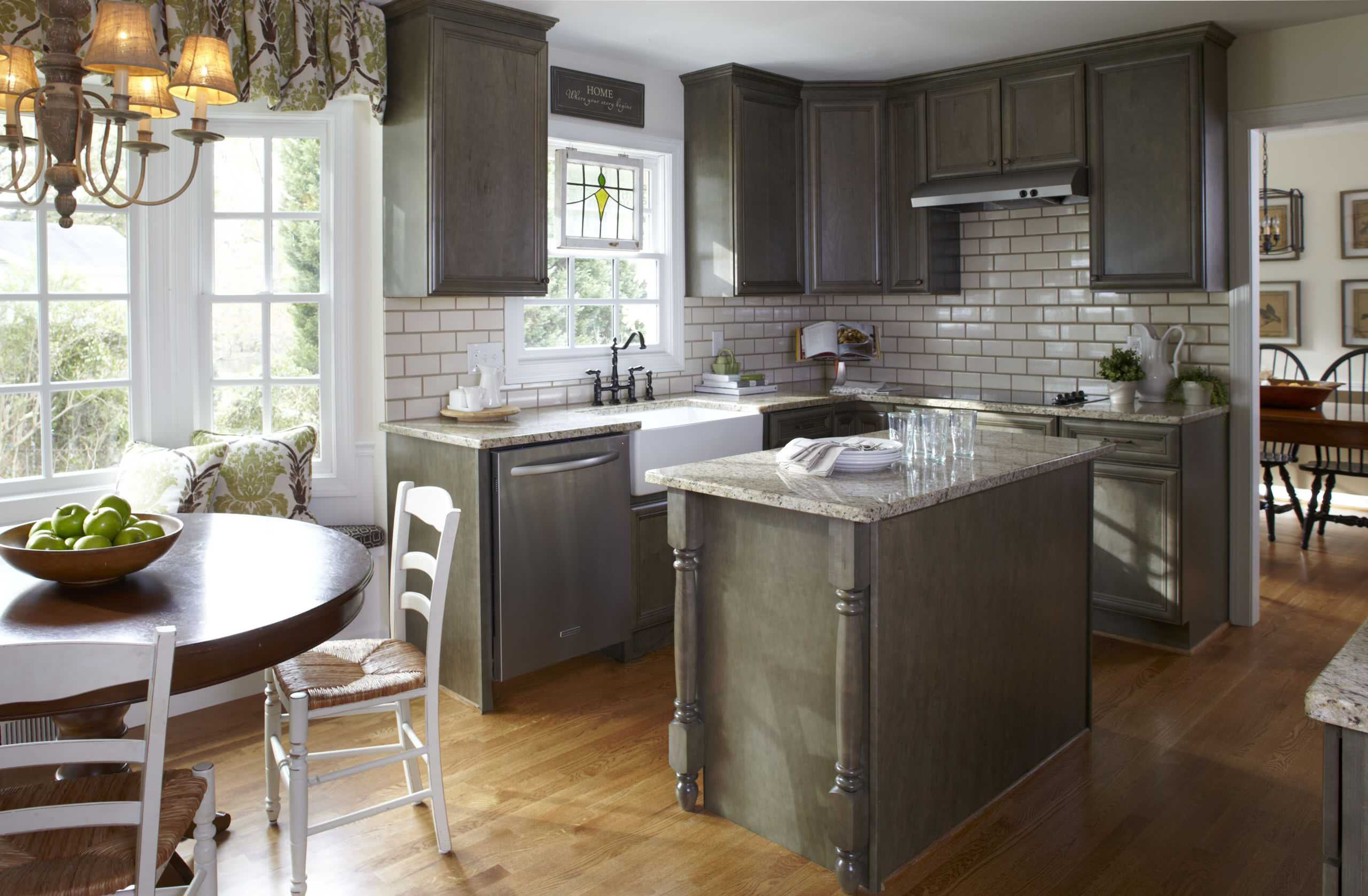 Perfect Elegant Small Kitchens With Islands For Your Kitchen