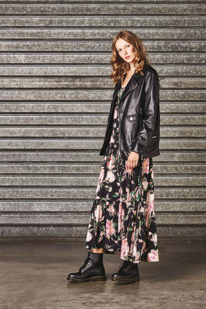 fa43cd5cf1ec Lookbook Abbigliamento Pronto Moda Donna – Autunno Inverno 2017 2018 ...
