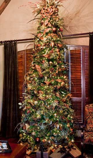 Christmas Tree Decorating Ideas - Traditional Style Tree - Click Pic