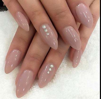 Nude almond nails | MargaritasNailz | Pinterest | Almond