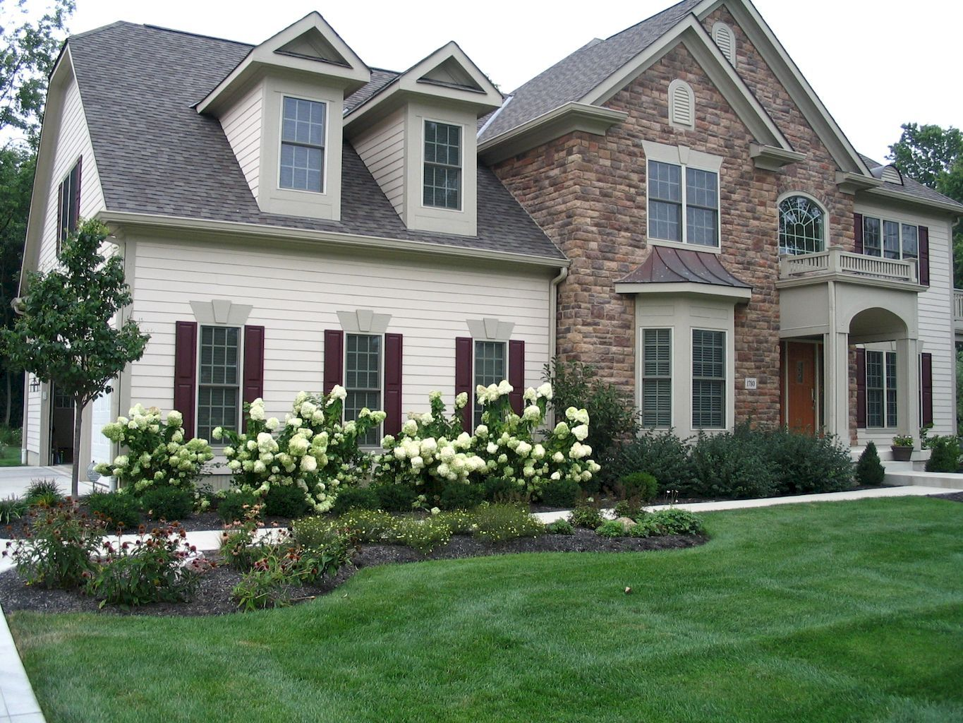 Outdoor Fence Landscaping Ideas 011 For Marvelous House Around Privacy Picket