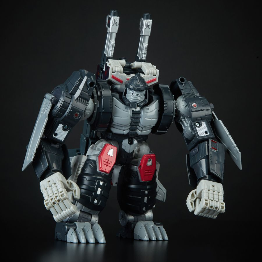 Transformers Hasbro SDCC 2018 Throne of the Primes Optimal Optimus In-Hand