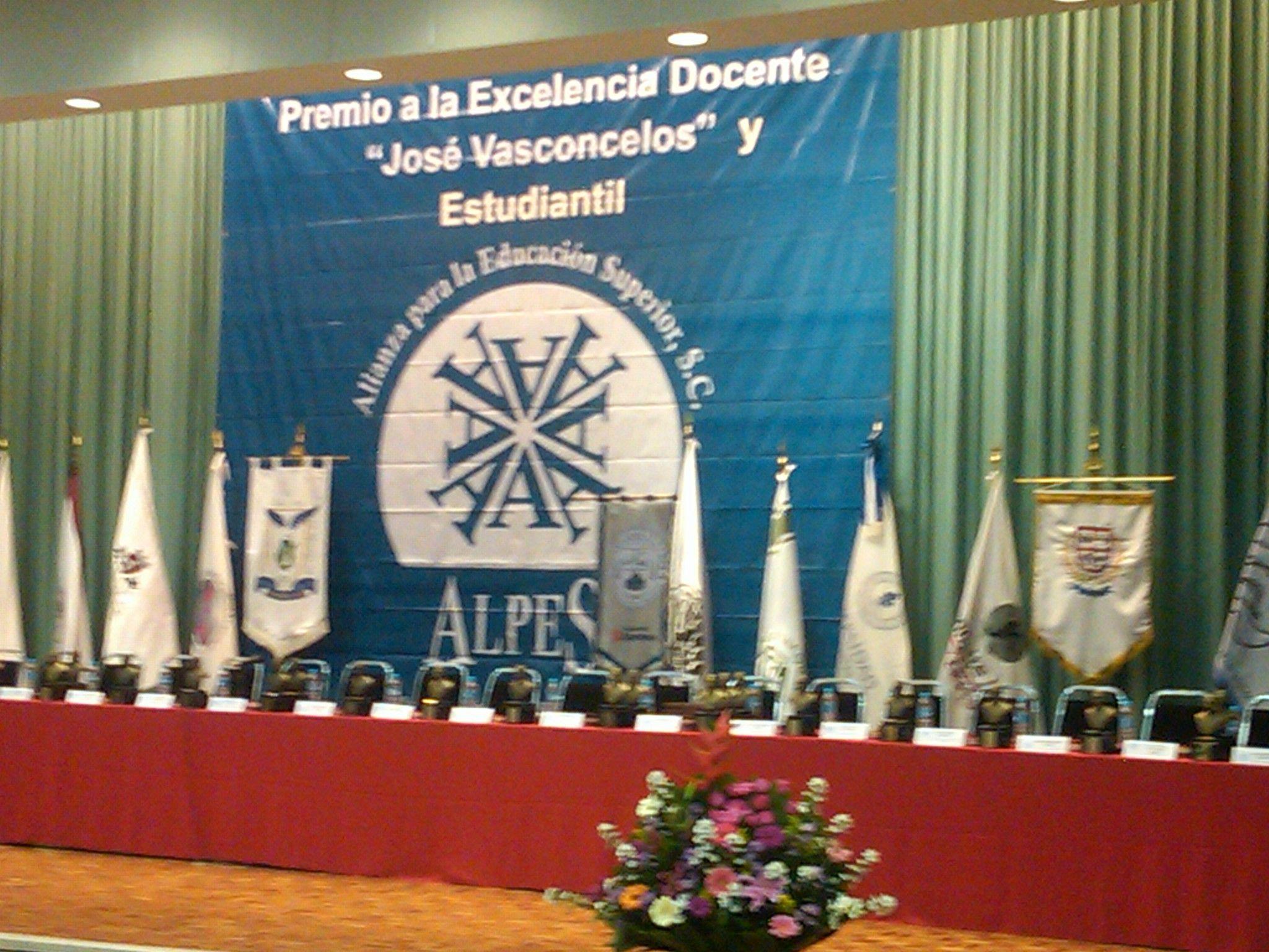 Ceremonia de entrega Premio José Vasconcelos a la Excelencia Académica 2012.