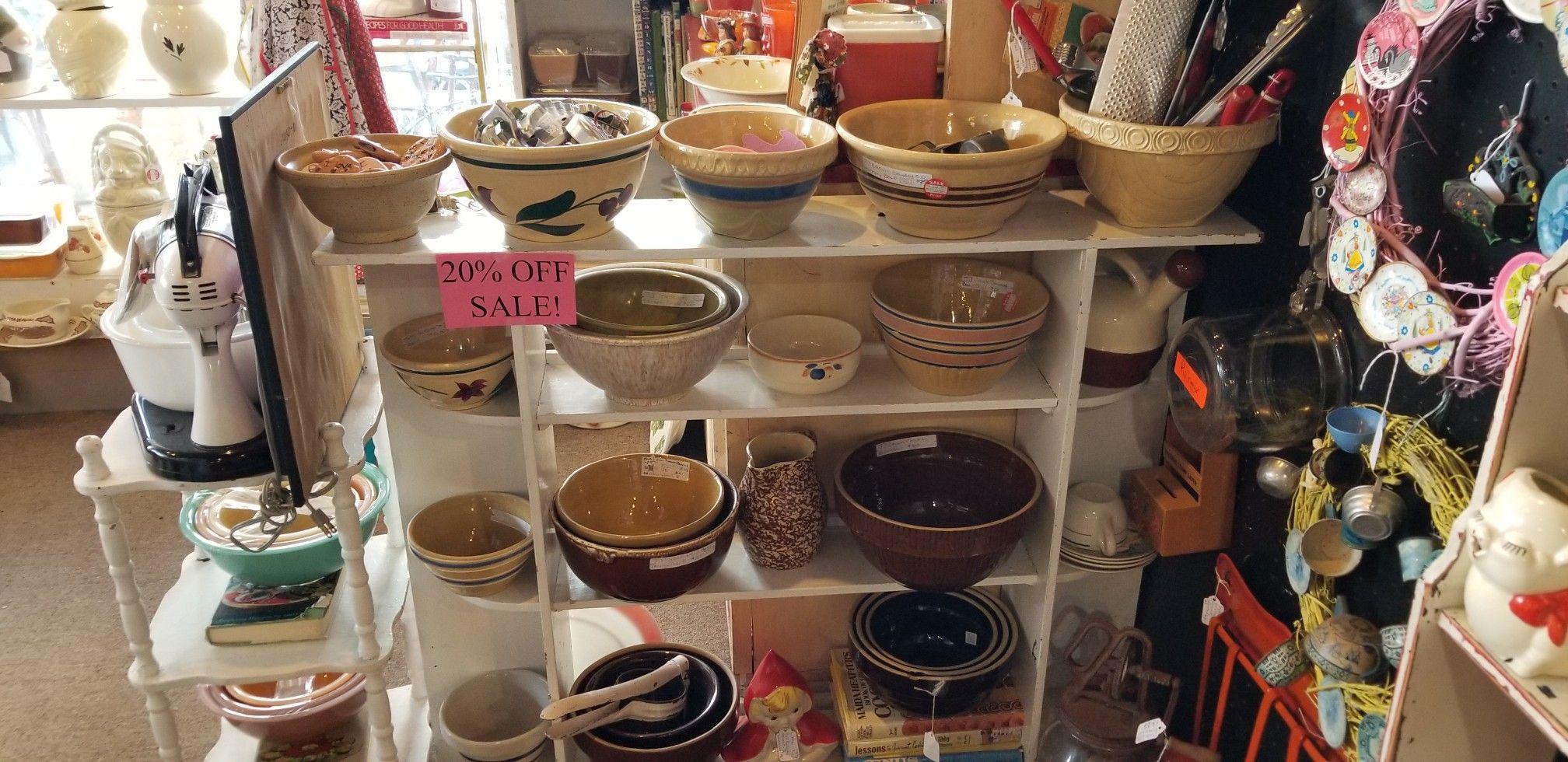 Vintage Bowls In 2020 Vintage Bowls Naperville Illinois Bowl