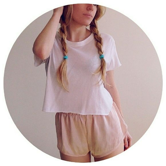 Brandy Melville Kiki Top Worn once. In perfect condition. Brandy Melville Tops Tees - Short Sleeve