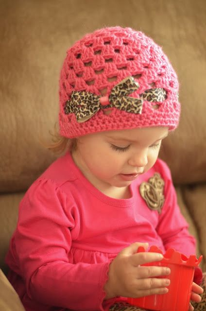 Video Tutorial This Fallwinter Crocheted Granny Square Hat Looks