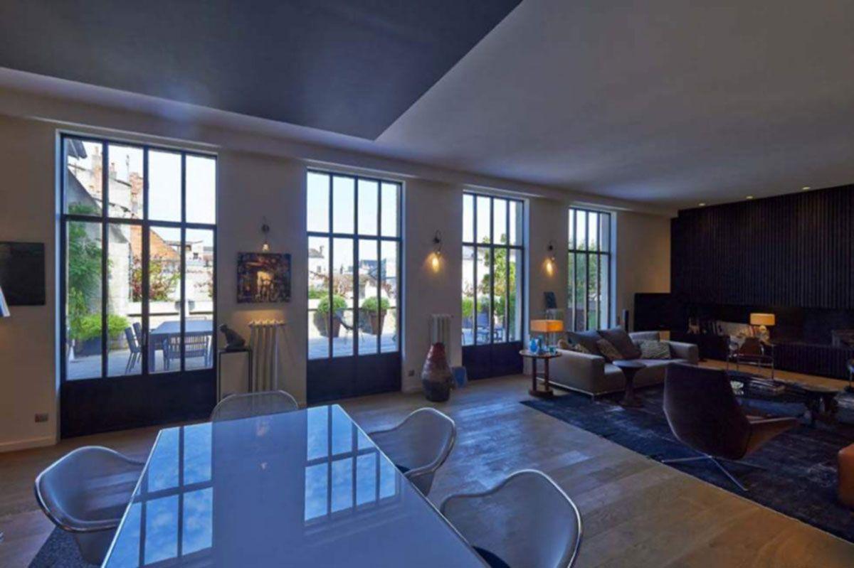 This Bordeaux house renovated by Hibre Architecte recreates a ...