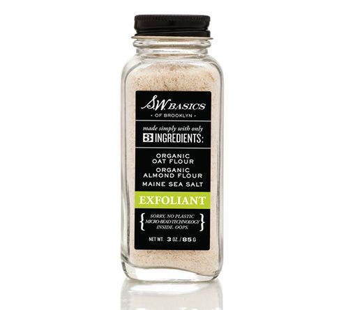 L'exfoliant visage à la poudre d'amande et d'avoine de S.W basics of Brooklyn