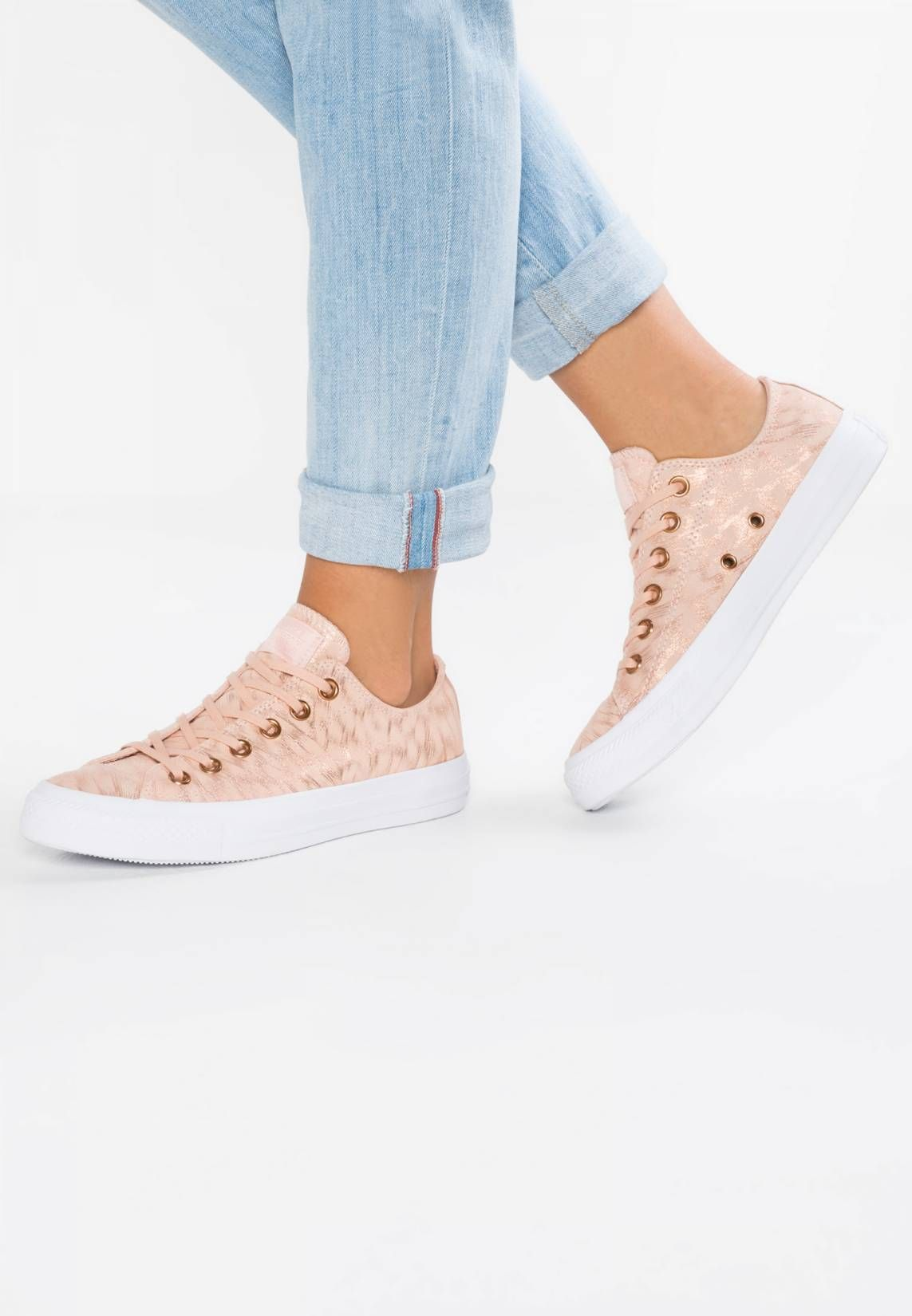 32e6bf15382 Converse. CHUCK TAYLOR ALL STAR SHIMMER SUEDE - Sneaker low - dusk pink  white