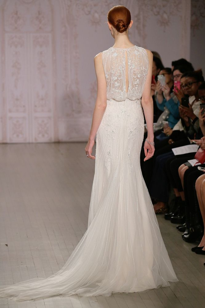 22 Hot-Off-The-Runway Wedding Gowns That Look Even Better From The ...