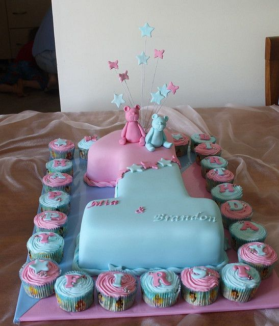 Awe Inspiring Twins First Birthday Twin Birthday Cakes Twins Cake Blue Personalised Birthday Cards Veneteletsinfo