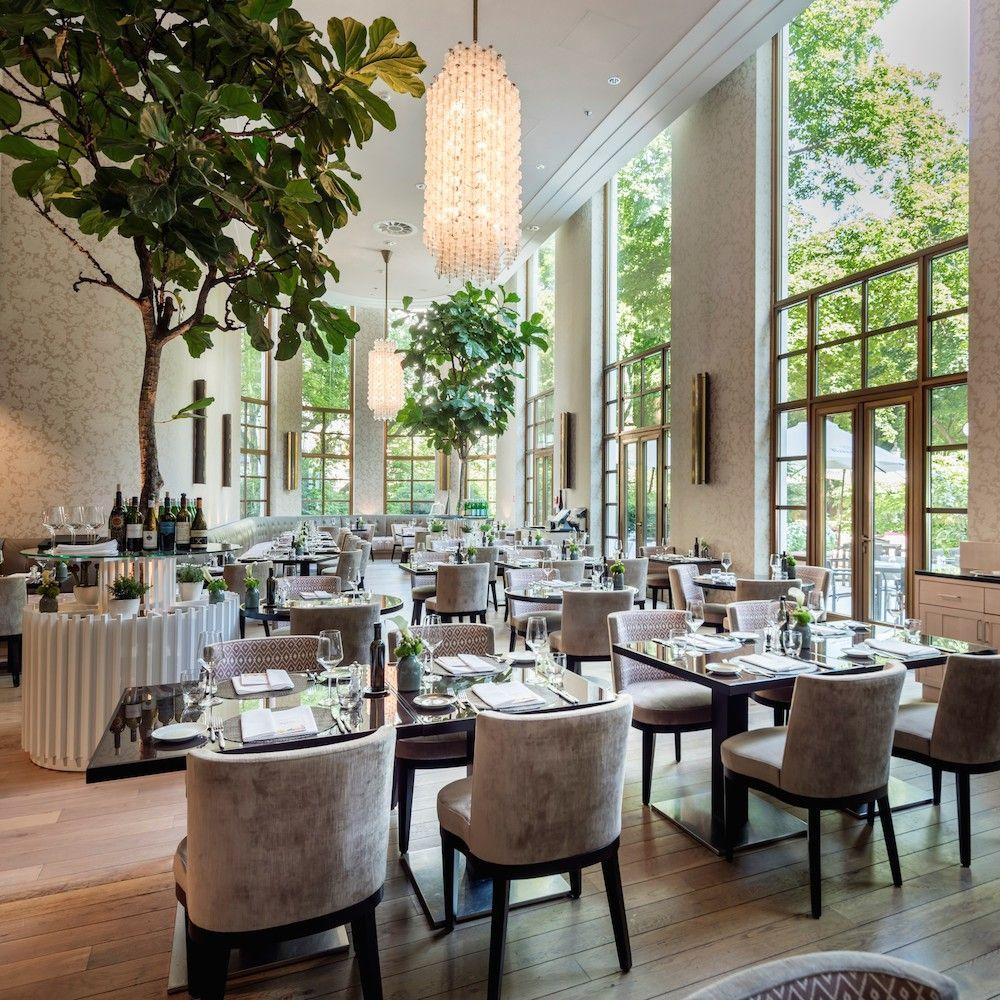 Sophia S Restaurant Im The Charles Hotel Munchen Creme Guides Restaurant Interieur Restaurant Hotel