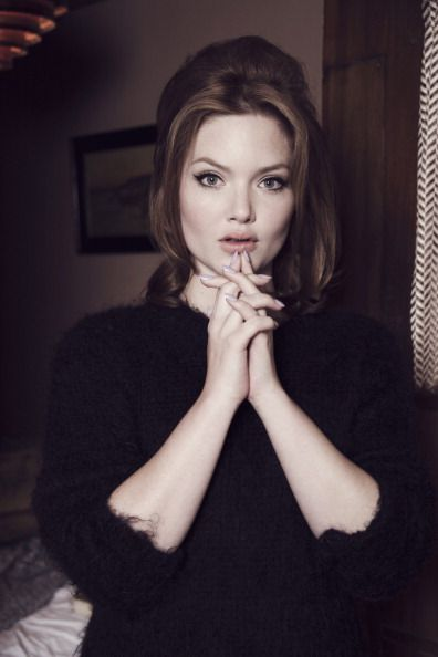 holliday grainger weight height