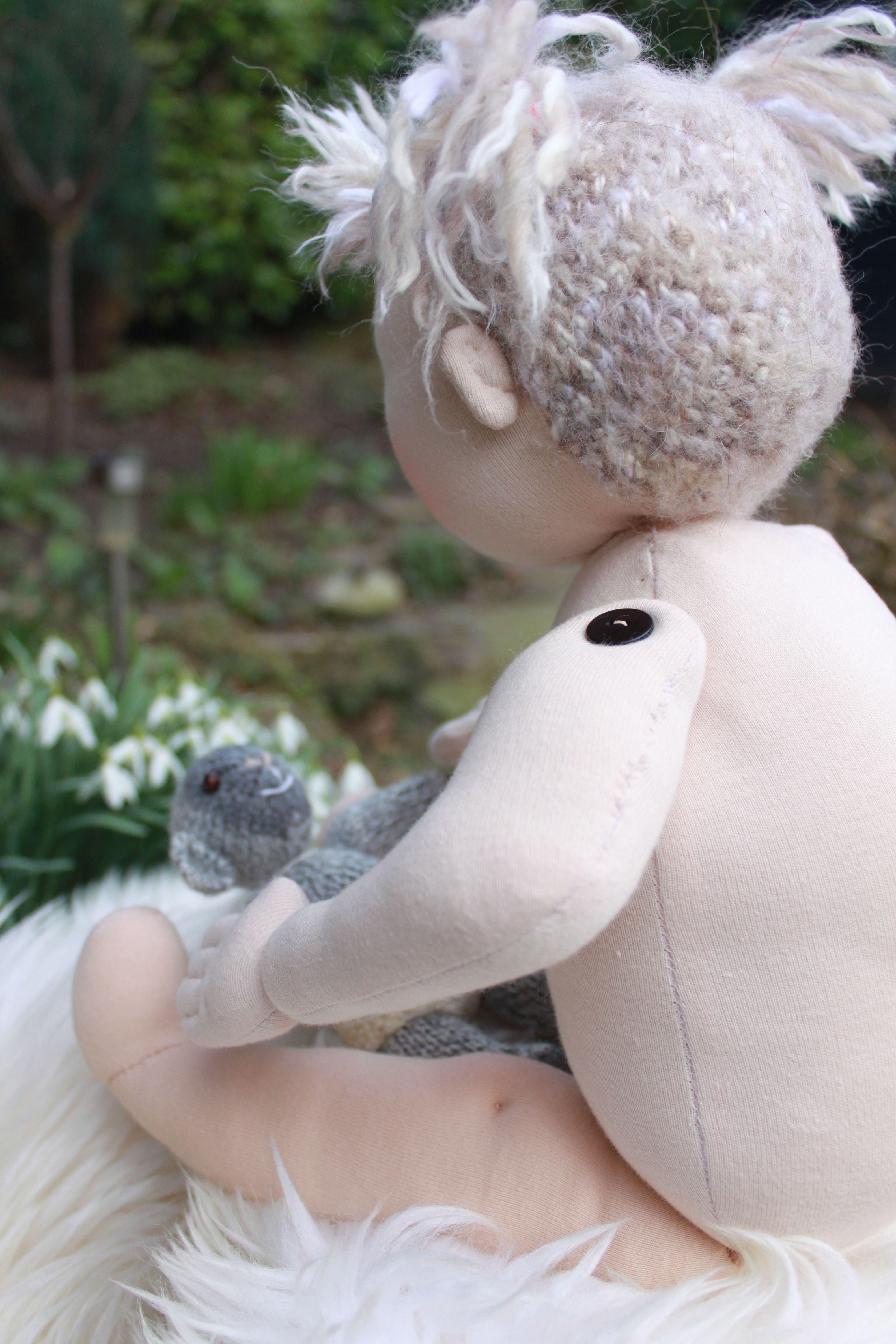 Anne, mijn eerste creatie . Ze mag op reis alicefidom@hotmail.com