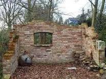 Bildergebnis für ruinenmauer aus alten abbruchziegeln #ummauertergarten